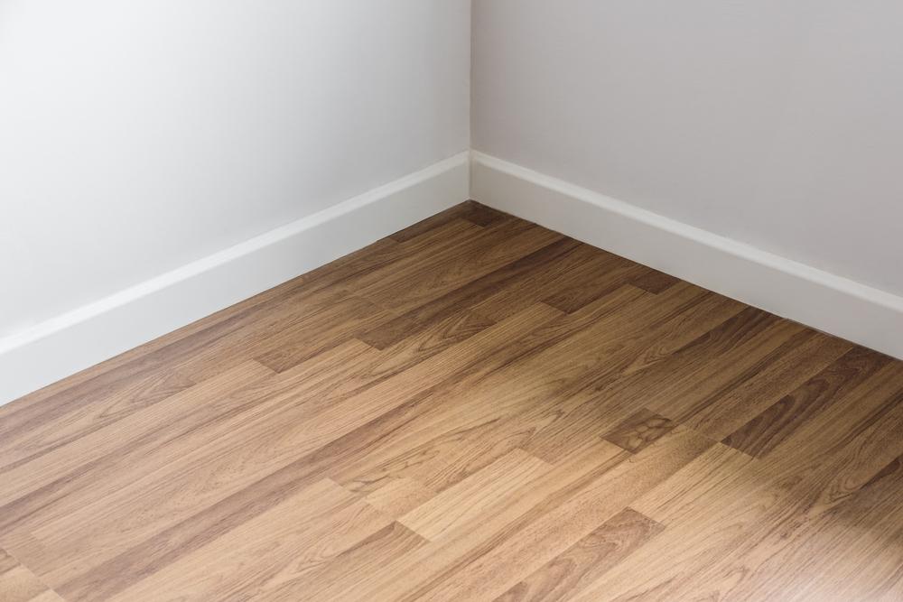 ตัวอย่างห้องที่ปูด้วยไม้พื้นลามิเนต